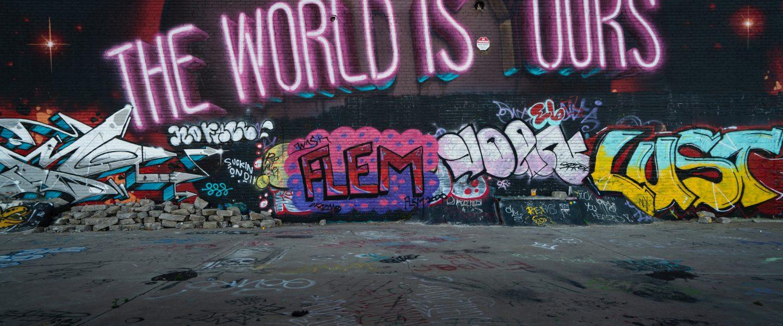 Det skal nærmere bestemt handle om fjernelse af graffiti og jeg vil forsøge at lære jer omkring en virksomhed, som jeg er virkelig glad for.